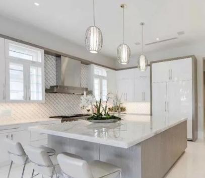 ۲۰۰متر آپارتمان مدرن طبقات بالا تراس بزرگ فول